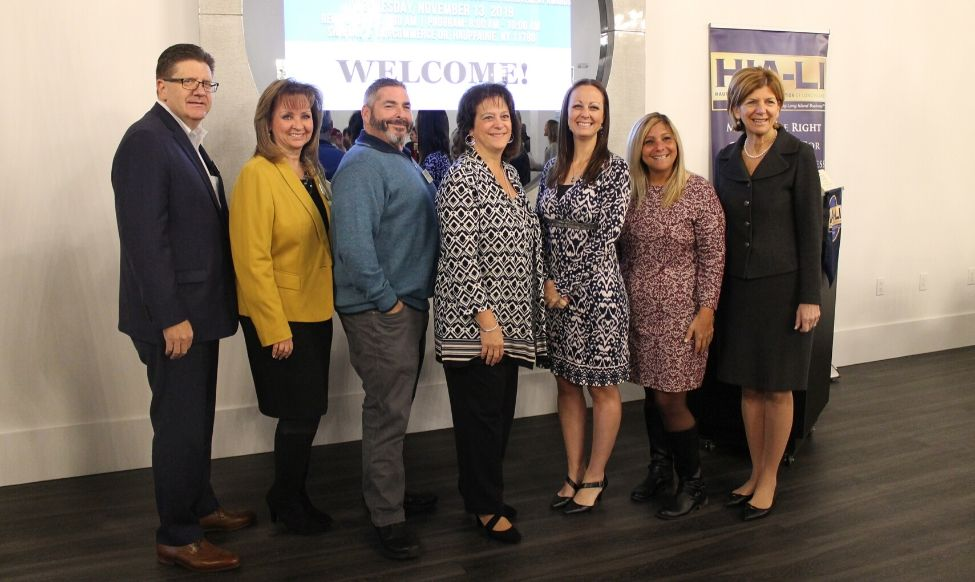 Joe Campolo, who moderated the panel, was joined by HIA-LI leader Terri Alessi-Miceli and the five panelists: Scott Maskin, Teresa Ferraro, Bobbianne Ng, Felicia Telep And Deborah Schiff.